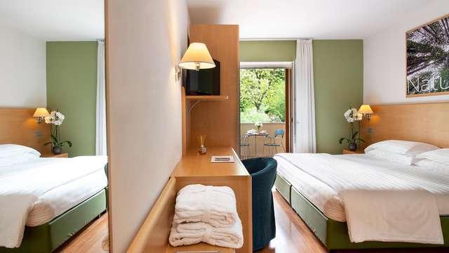 1 notte in camera doppia confort vista bosco per 2 adulti