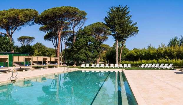Escapada en pareja con cama balinesa y cóctel junto a la piscina en el balneario Vichy Catalán