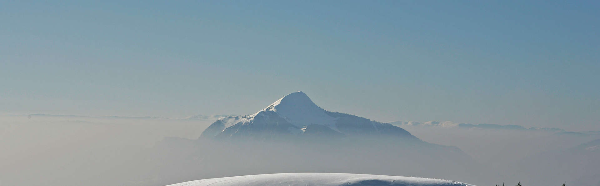 Dîner et  vue imprenable sur la vallée, en chambre Privilège, au cœur du Grand Massif
