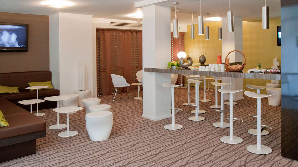 Mercure Pont d'Avignon Centre - Edit_Lounge.jpg