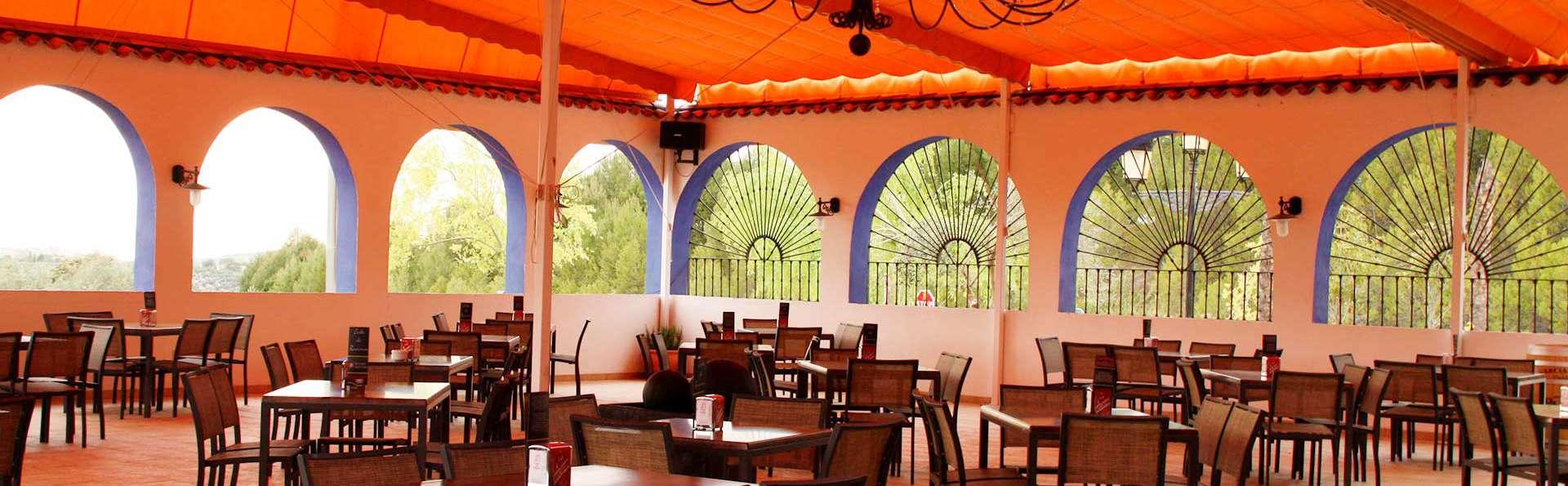 Séjournez dans un hôtel au pied de la sierra de Cazorla avec dîner inclus