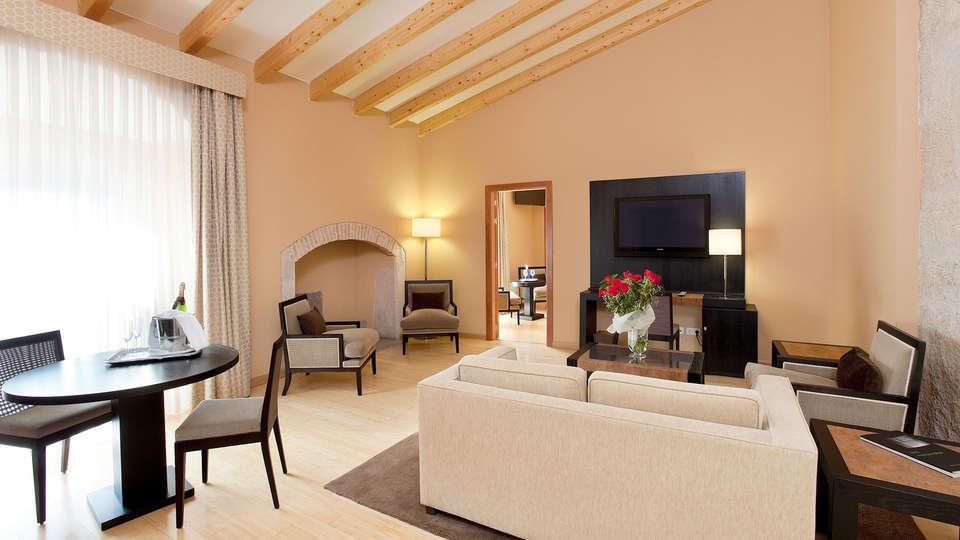 Hospes Palacio de Arenales Spa - EDIT_N2_ROOM_02.jpg