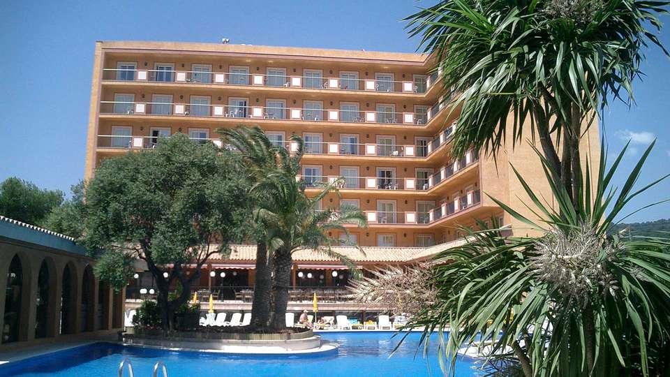Hotel Luna Park - EDIT_FRONT_01.jpg