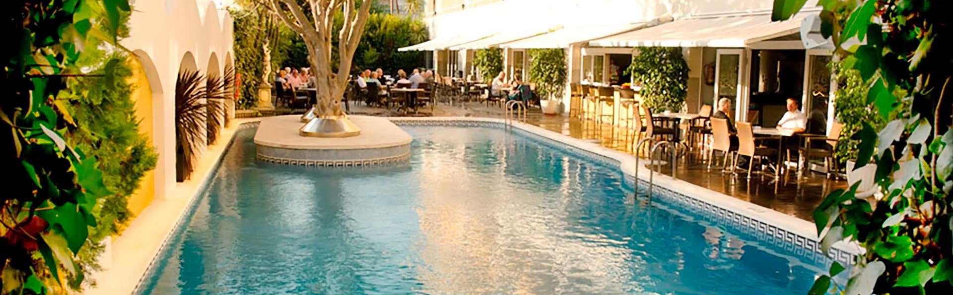 BondiaHotels Augusta Club & Spa +16 - EDIT_POOL_05.jpg