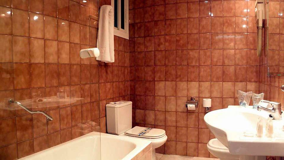 Ohtels Gran Hotel Almería - EDIT_BATHROOM_01.jpg
