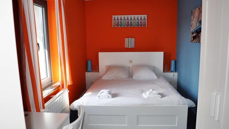 Hotel Pitlane Lodge - EDIT_ROOM_03.jpg