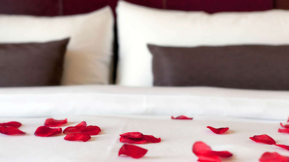 Best Western Plus Grand Winston - Edit_Worldhotel_Grand_Winston___Rose_petals.jpg