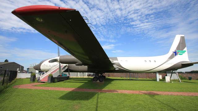 Séjour aérien et grand luxe : séjournez dans un ancien avion réaménagé avec sauna privé