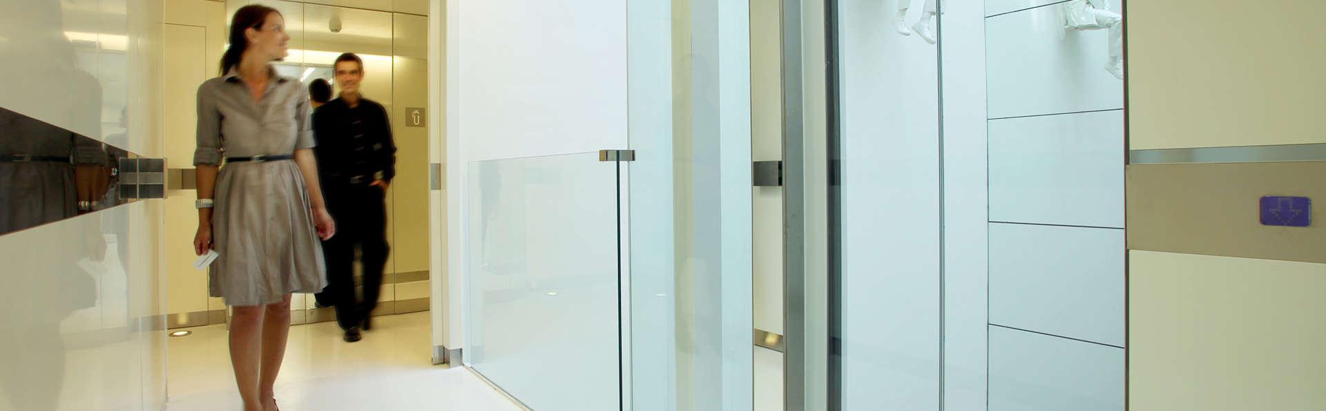 The Mirror Hotel - EDIT_HALL_01.jpg