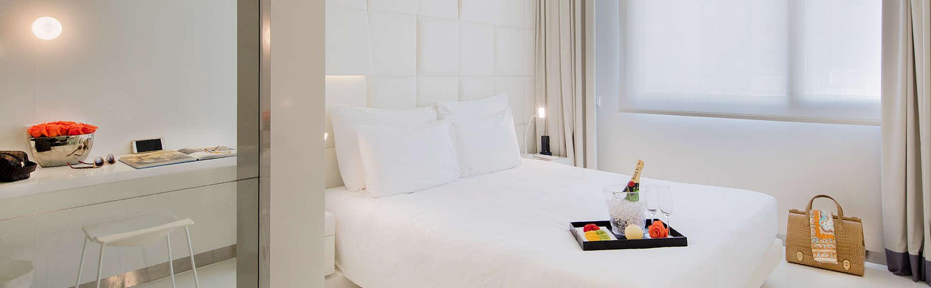 Descubre Barcelona en un hotel 4* de lujo a 200 m. de Paseo de Gracia