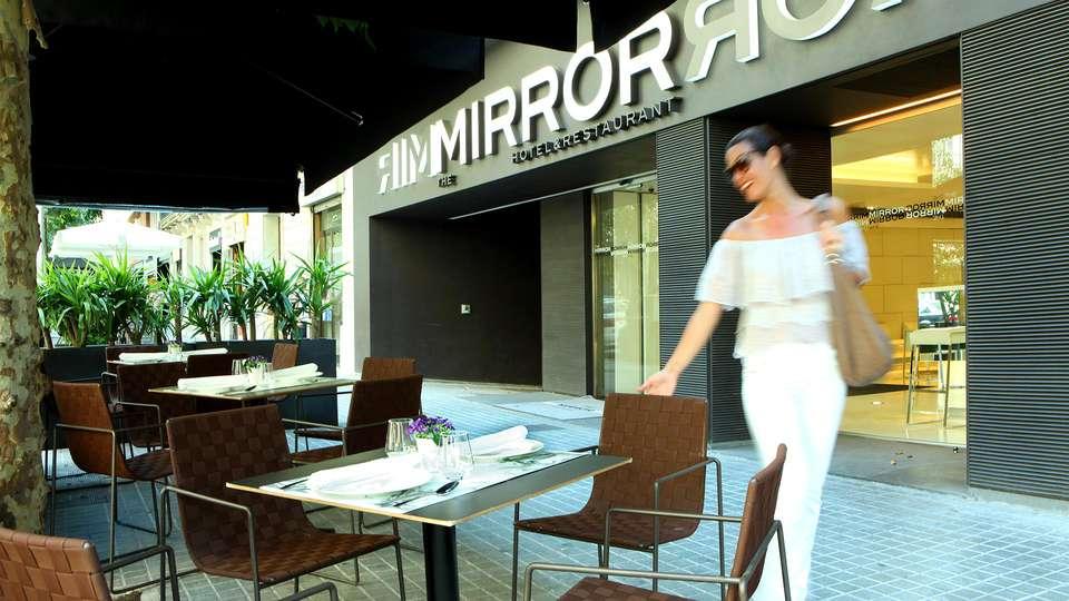 The Mirror Hotel - EDIT_TERRACE_01.jpg