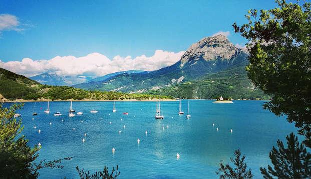 Escapade de charme entre lac et montagne, à proximité de Gap