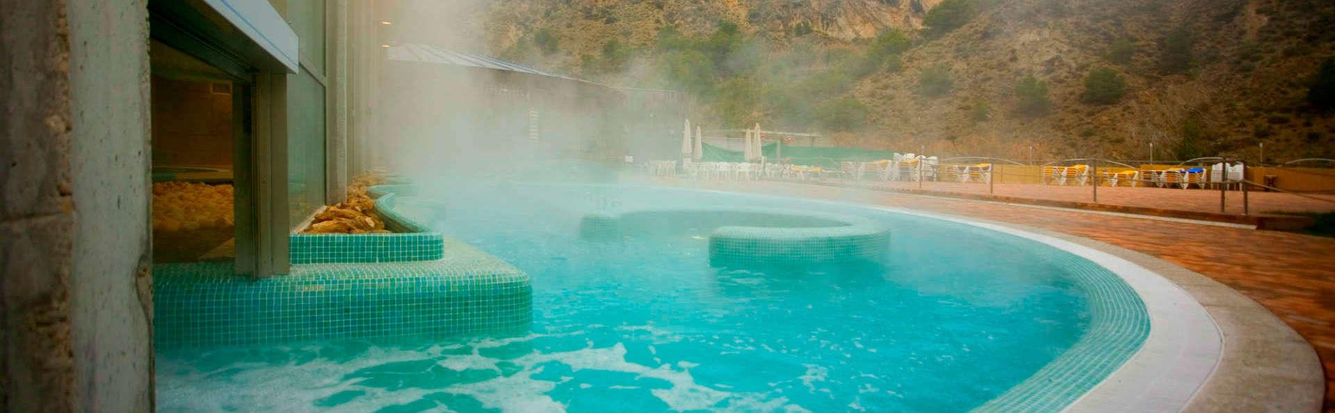Escápate a Archena con entrada ilimitada a las piscinas termales y 2 circuitos (desde 3 noches)