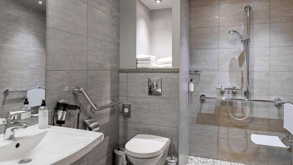 Best Western Grand Hôtel de Bordeaux  - EDIT_NEW_BATHROOM_01.jpg
