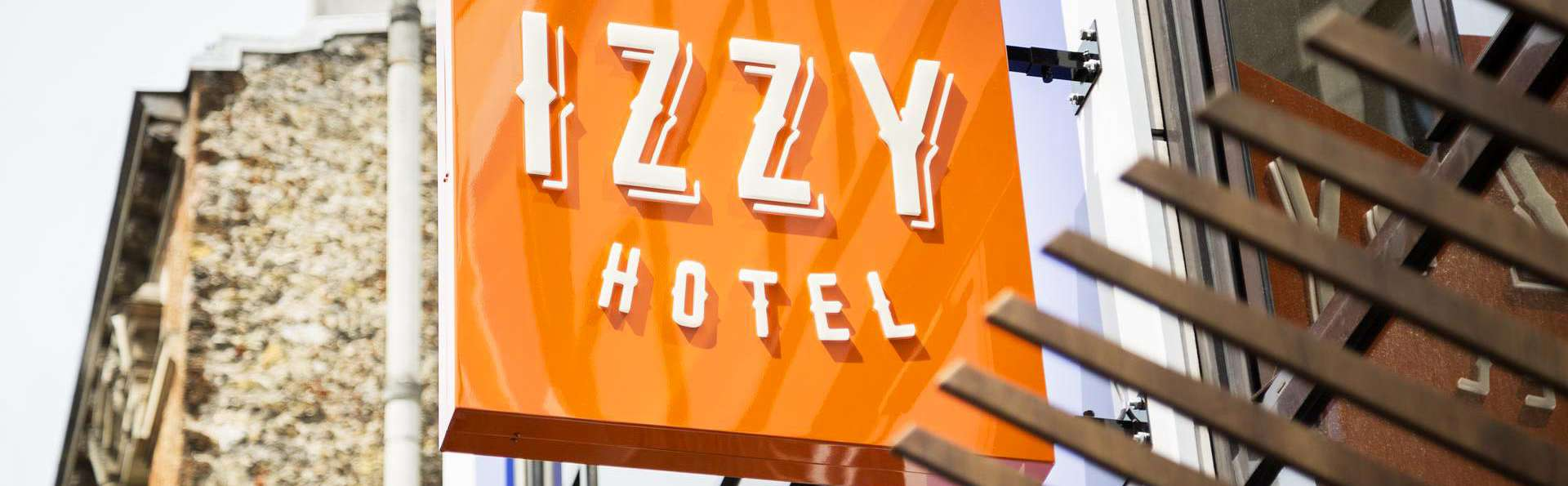 Hôtel Izzy by HappyCulture - EDIT_FRONT_01.jpg