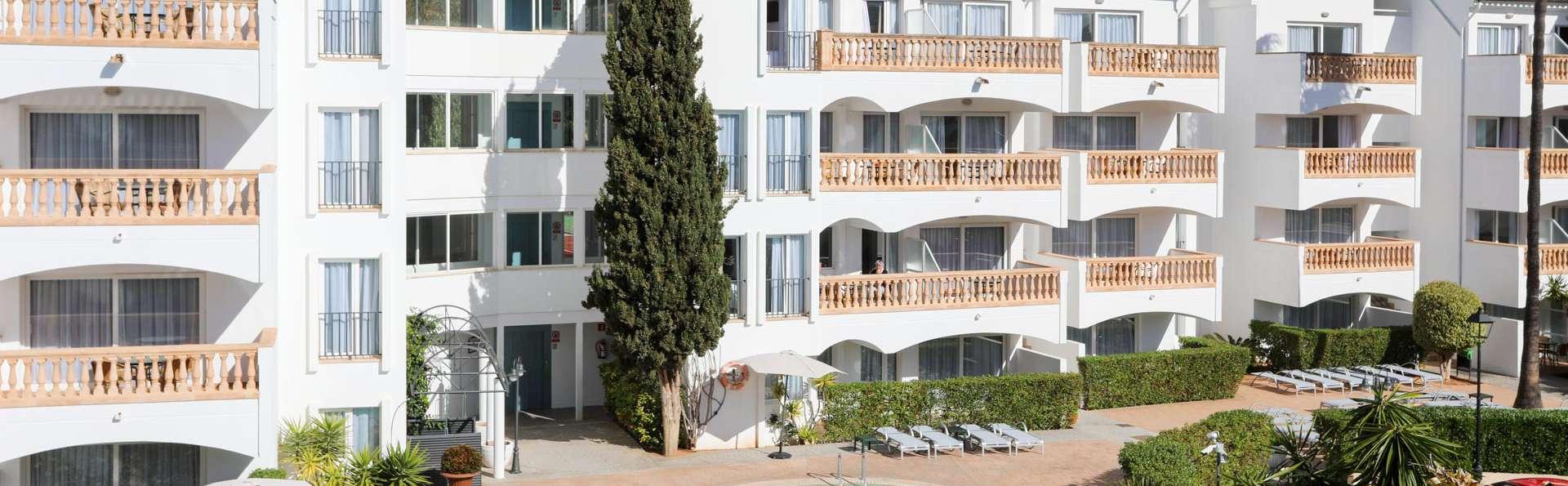 Aparthotel La Pérgola  - EDIT_POOL_05.jpg
