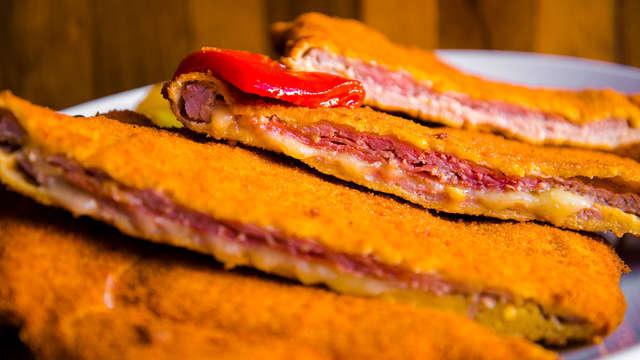 Escapada en una posada asturiana con desayunos caseros y comida con cachopo (desde 2 noches)