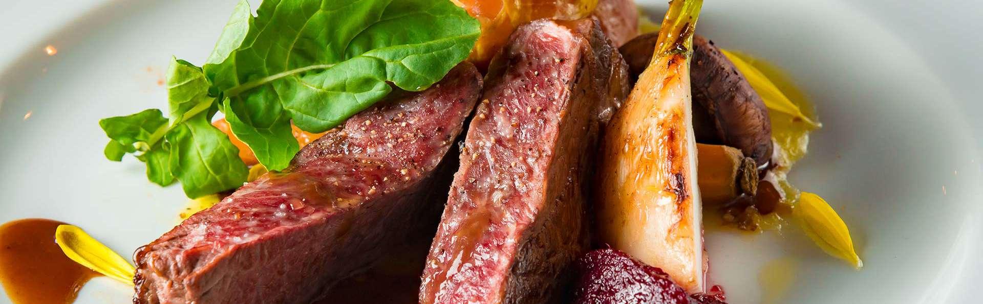 Séjour gastro inroom dinning 2 nuits avec dîners privé en chambre à Houffalize