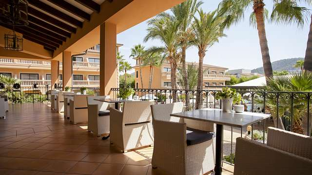 Soleil, plage, détente et demi-pension dans un hôtel luxueux 4* à deux minutes de Port d'Andratx