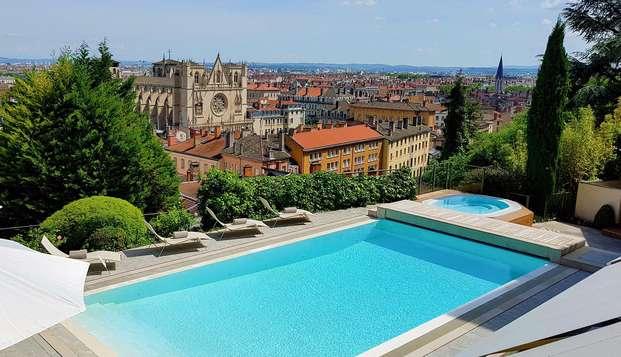 Détente et bien-être avec vue panoramique dans le plus prestigieux des hôtels de Lyon