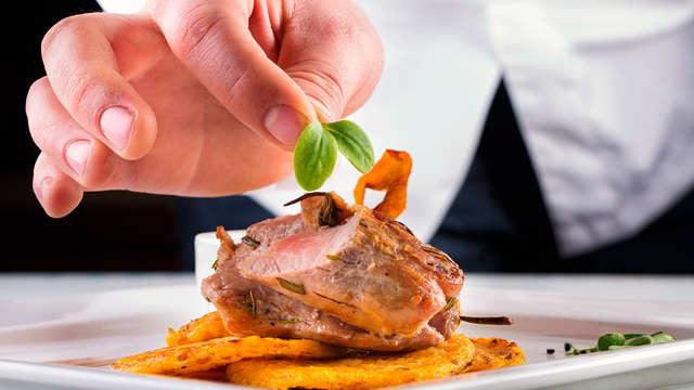 ¡Especial parejas! Escapada con cena degustación y salida tardía en un exclusivo hotel de Madrid