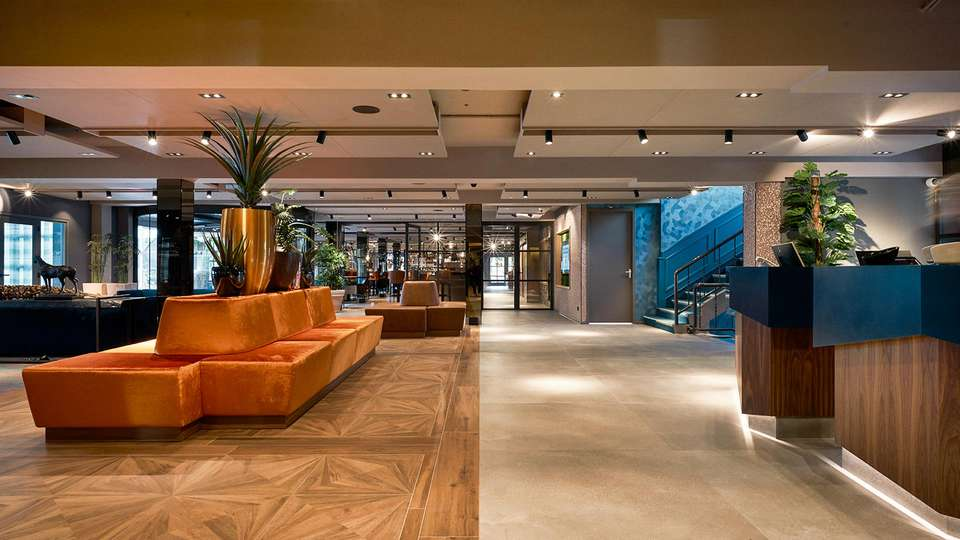 Carlton President Hotel - EDIT_N2_LOBBY_03.jpg