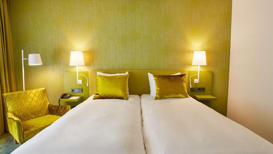 Carlton President Hotel - EDIT_N2_ROOM_05.jpg