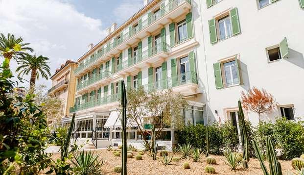 Hotel Verlaine - FRONT