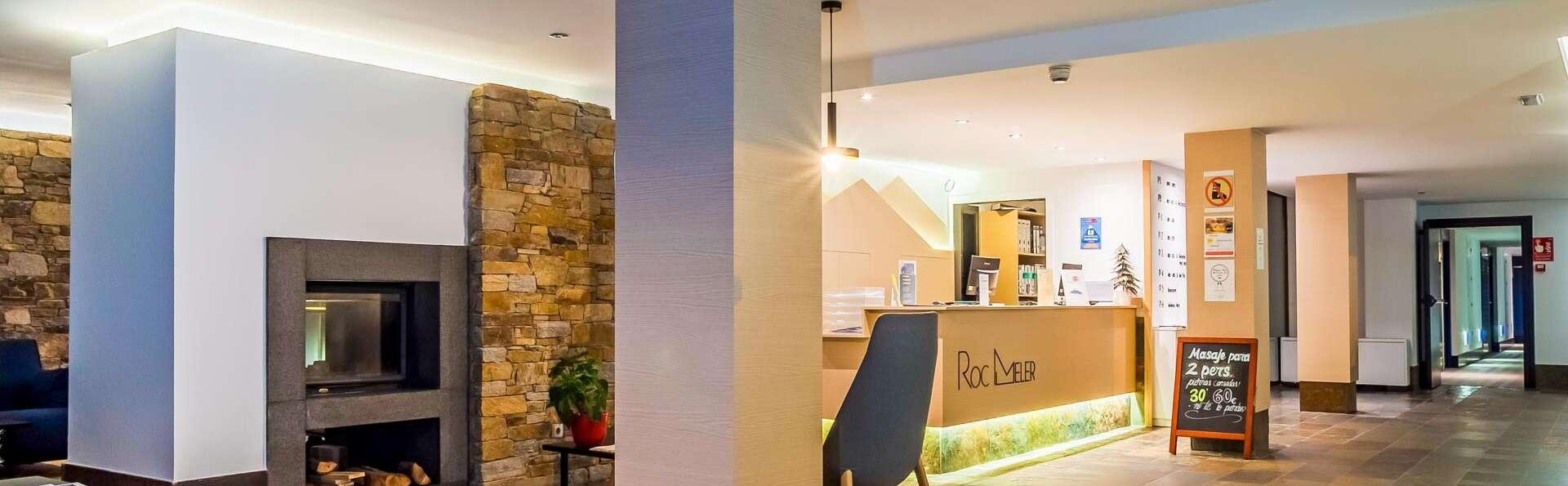 Hotel Roc Meler - EDIT_N2_LOBBY_01.jpg