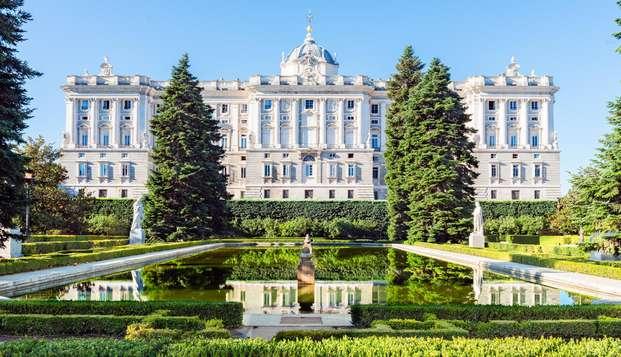 Gastronomie et culture avec visite du Palais Royal et repas dans le restaurant de votre choix
