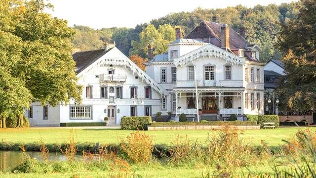 Proost op een fijn verblijf in een elegant 14e-eeuws kasteel in Voeren