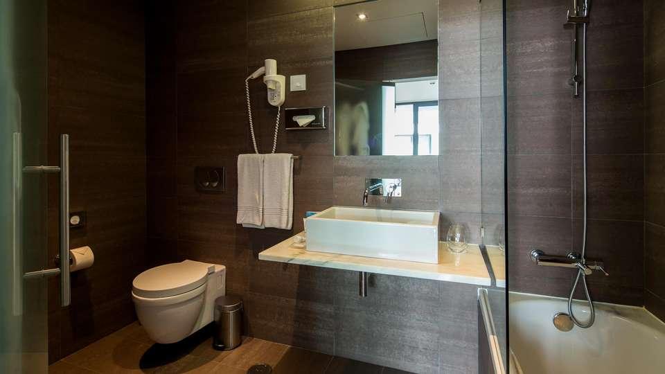 Monchique Resort & Spa - EDIT_BATHROOM_02.jpg
