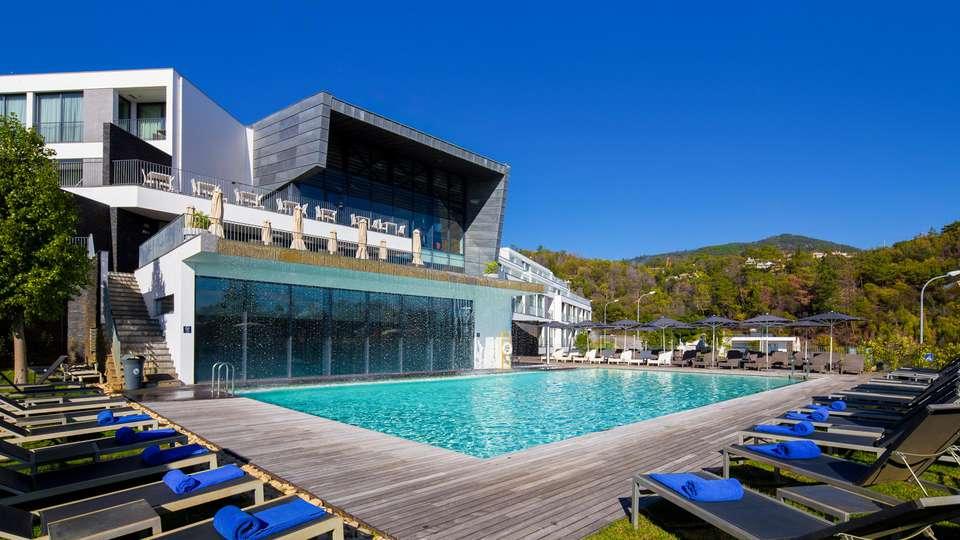 Monchique Resort & Spa - EDIT_POOL_03.jpg