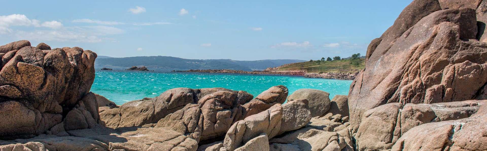 Escapada con cóctel de bienvenida en un encantador hotel con vistas al mar en O Pindo