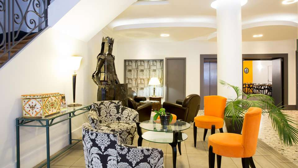 Hôtel Raymond 4 - EDIT_NEW_LOBBY_01.jpg