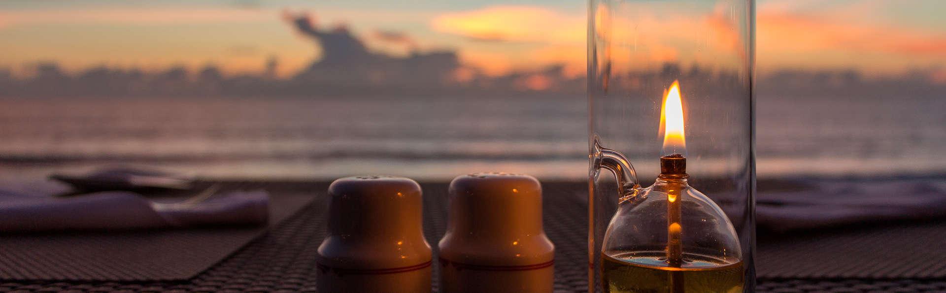 Surprenez votre partenaire ! Escapade avec dîner et bouteille de cava de luxe à Alicante