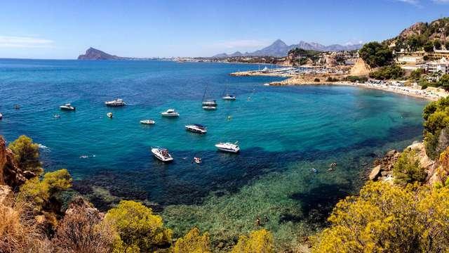 Rayos del sol y brisa mediterránea en Alicante