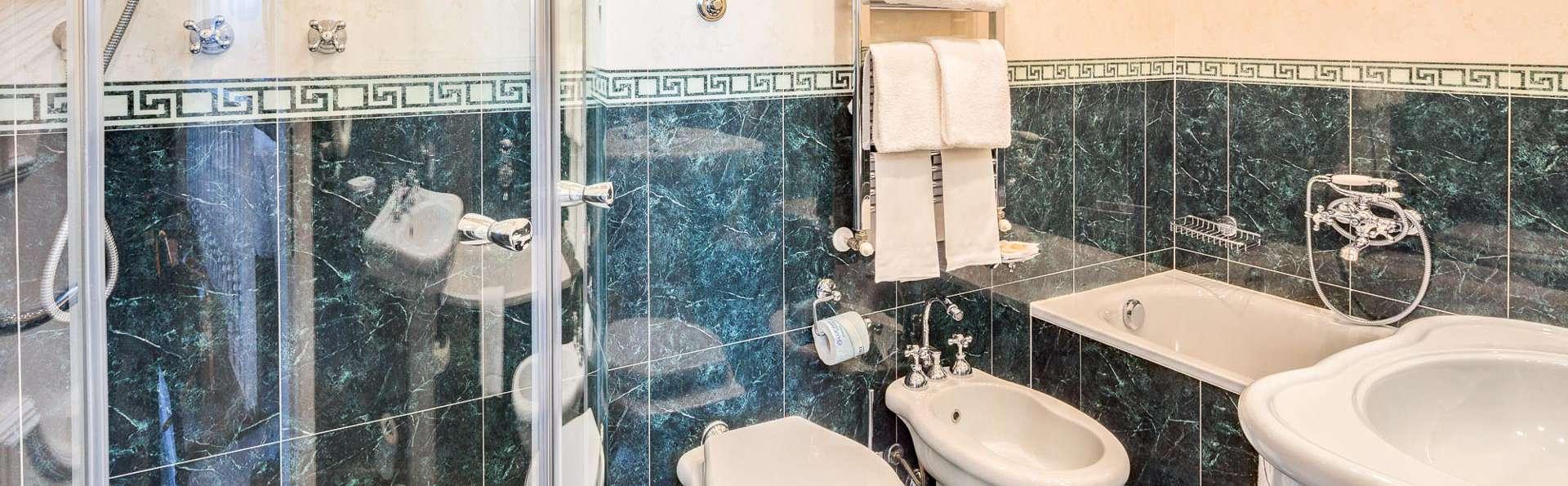 Hotel Roma - EDIT_N2_BATHROOM_03.jpg