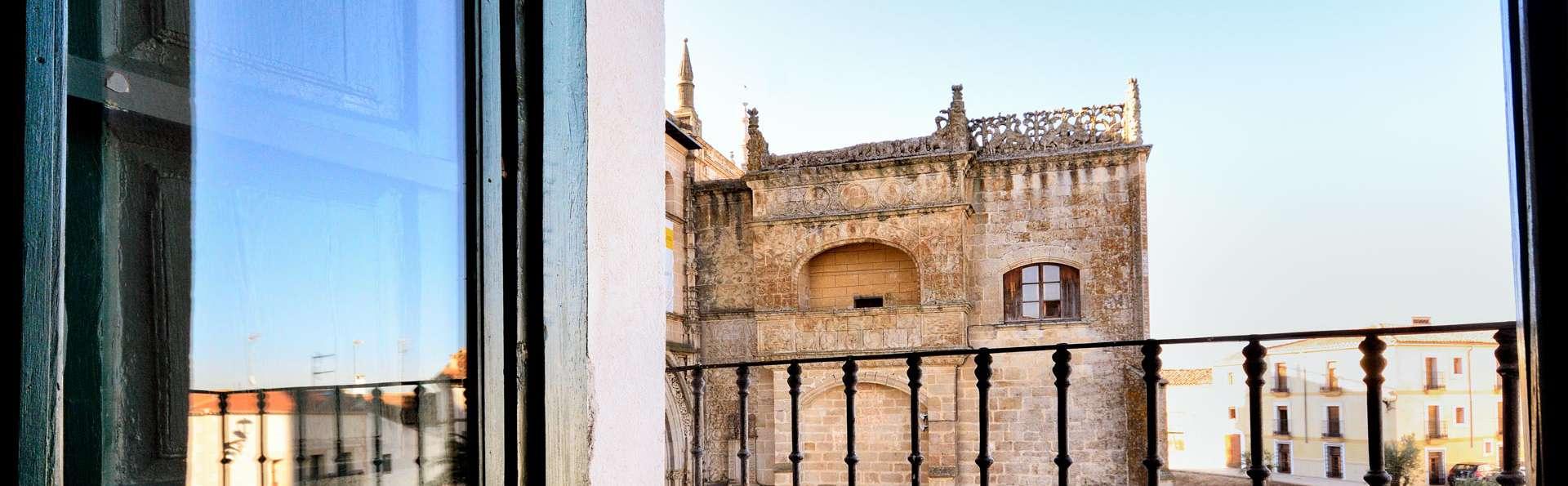Elegancia y romanticismo en un reformado palacio con vistas a la Catedral de Coria