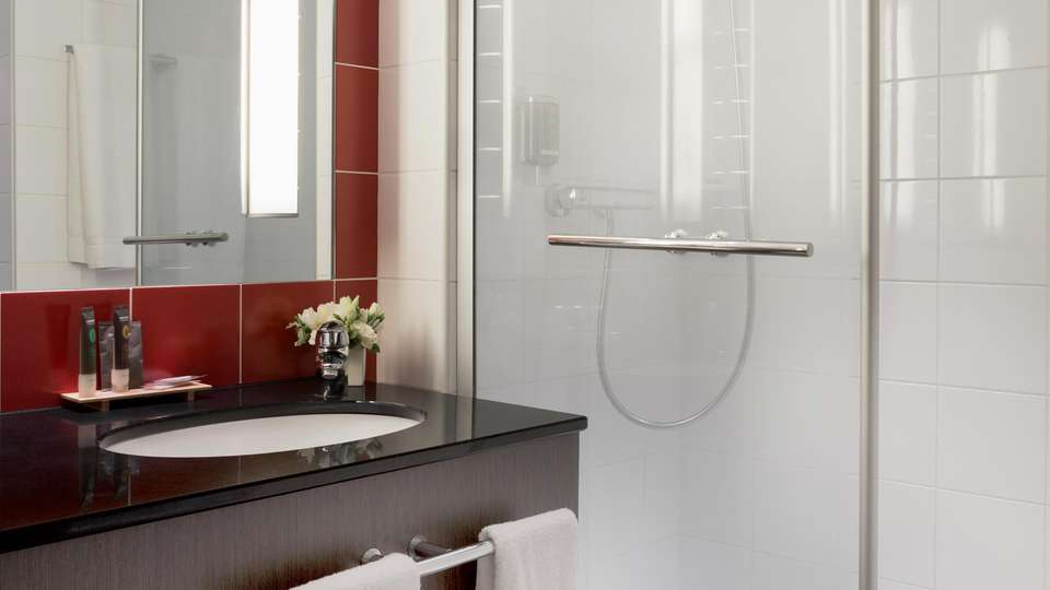 Novotel Roissy CDG Convention & Spa  - EDIT_BATHROOM_01.jpg