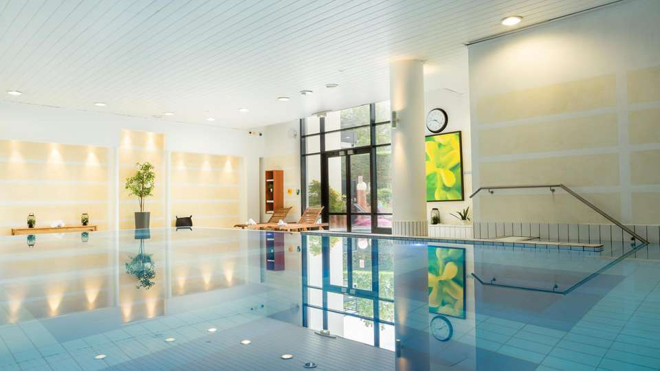 Novotel Roissy CDG Convention & Spa  - EDIT_POOL_02.jpg