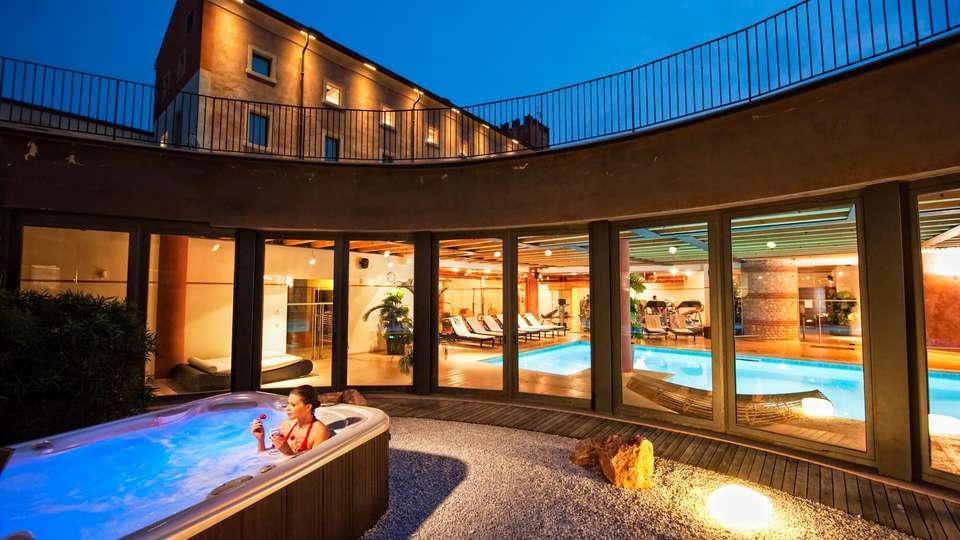 Hotel Veronesi La Torre - EDIT_POOL_01.jpg
