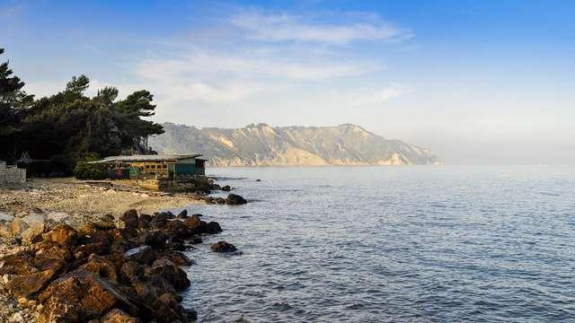 Comfort assoluto nella baia di Pontenovo sulla Riviera del Conero