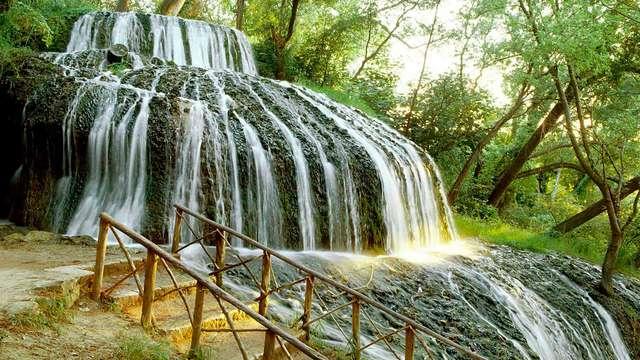 Escapada con historia: visita el Monasterio de Piedra, circuito termal y media pensión