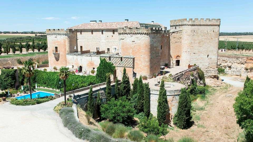 Castillo del Buen Amor - EDIT_NEW_FRONT_01.jpg