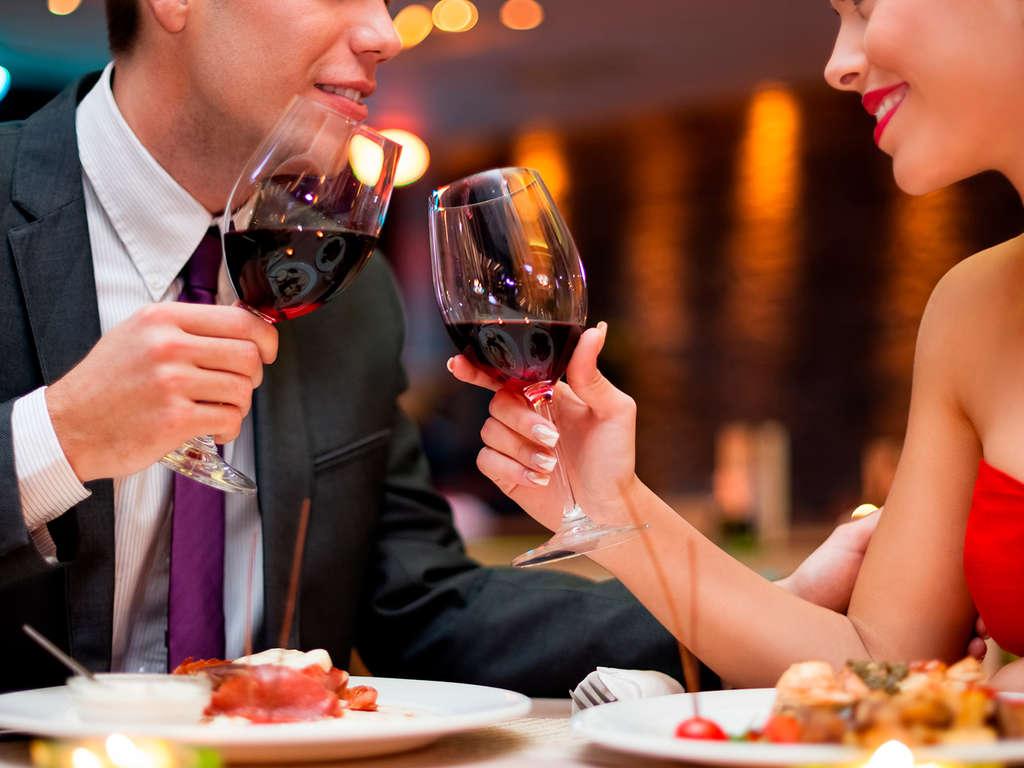 Séjour Sant Feliu de Guixols - Escapade avec dîner romantique et bouteille de cava à Sant Feliu de Guixols  - 4*