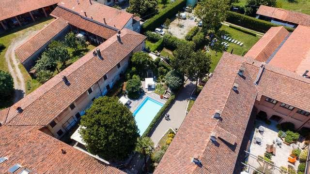 Soggiorno in storica villa padronale con stupendo giardino e piscina
