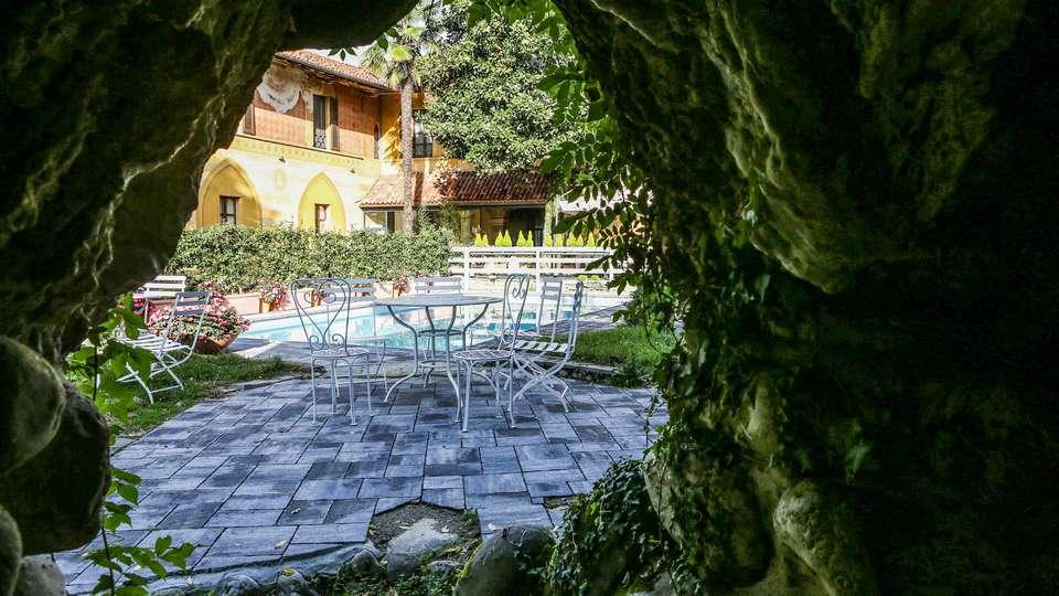 Hotel Tenimento Al Castello - EDIT_POOL_01.jpg
