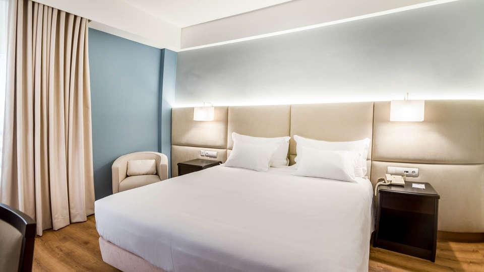 Tryp Covilha Dona María Hotel - EDIT_N2_DOUBLE_ROOM_STANDARDQuart-300x300--2.jpg