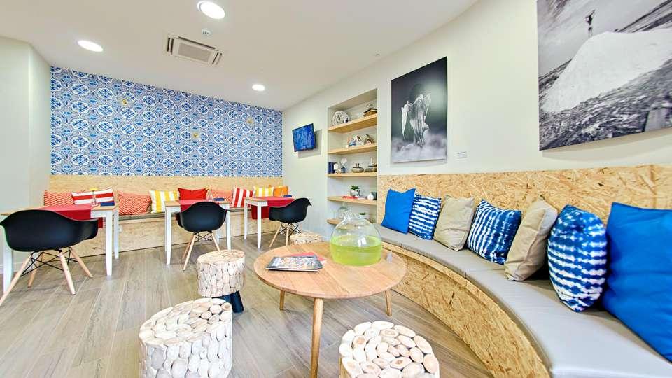 Cale do Oiro - Suites Residences - EDIT_LOUNGE_01.jpg